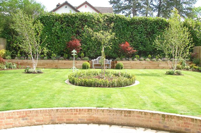 Landscape gardening winchester hampshire andover and for Gardening and maintenance